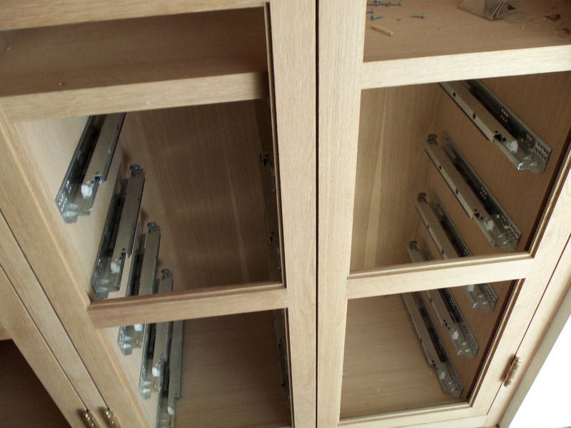Bottom mount drawer slides