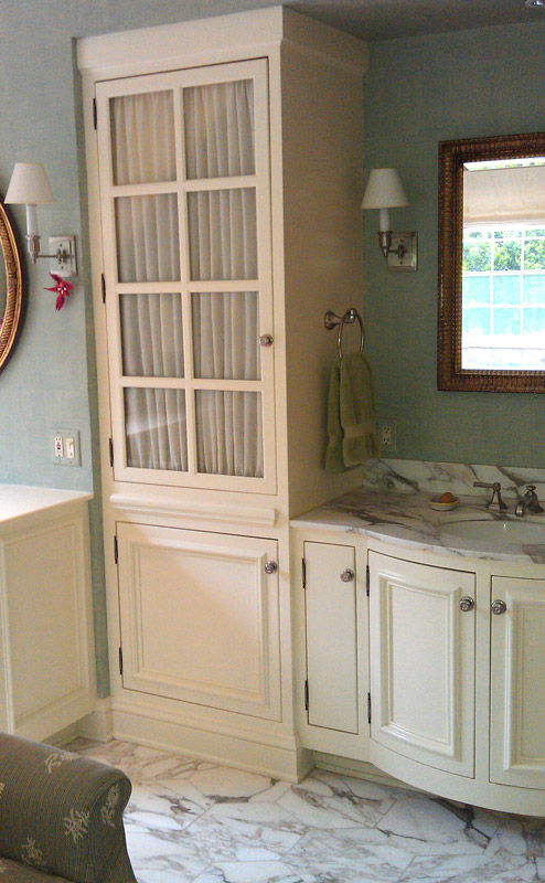 His and hers vanity with radius doors alt view