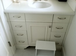 Kids bathroom vanity