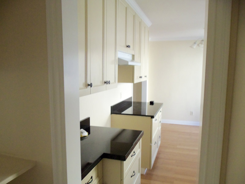 Paint grade kitchen with Shaker style doors alt view 2