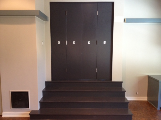 Stain steps with bi fold door